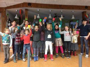 kinderen in clubhuis Amstelglorie