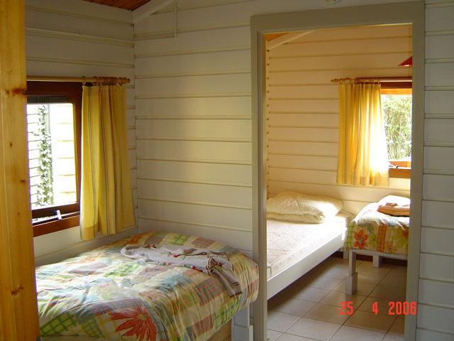 Eenpersoons Slaapkamer Compleet : Er is een éénpersoons slaapkamer ...